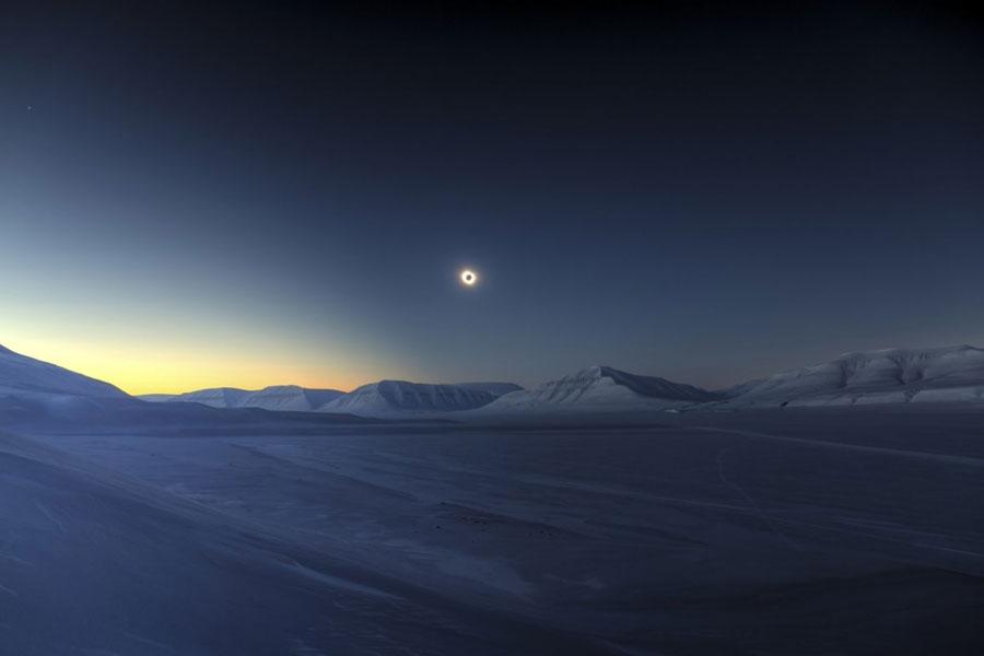 eclipse totality over sassendalen Luc Jamet